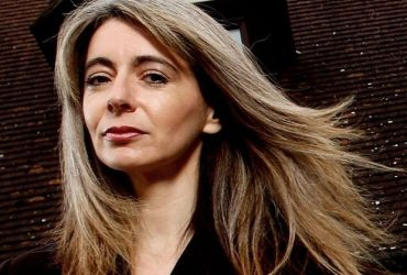 Simon commissioned to write a piece with Dame Evelyn Glennie